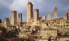 São Geminiano: a cidade das 100 torres