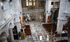 Paros e a espetacular igreja dos cem arcos