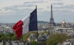 Um passeio pela Torre Eiffel, Arco do Triunfo e a deliciosa vida parisiense