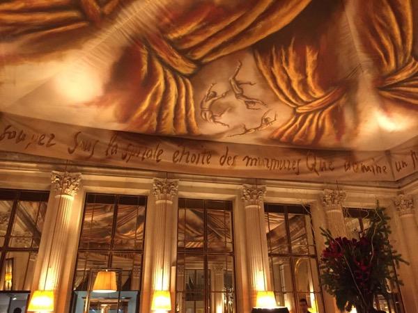 Hotel Le Meurice reabre suas portas em Paris