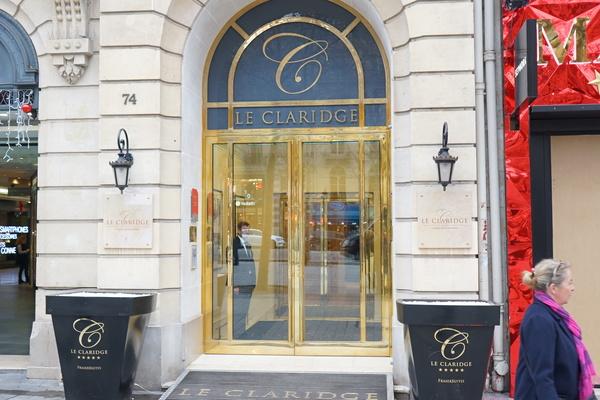 Apartamento de luxo com serviço de hotel é no Le Claridge Champs-Elysées
