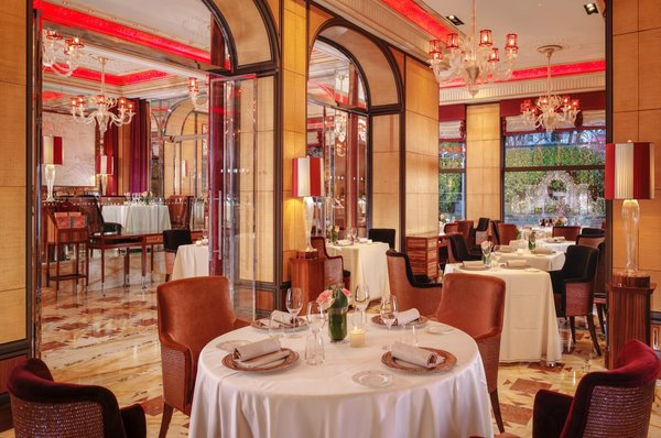 Restaurante Acanto: nem só de moda vive Milão