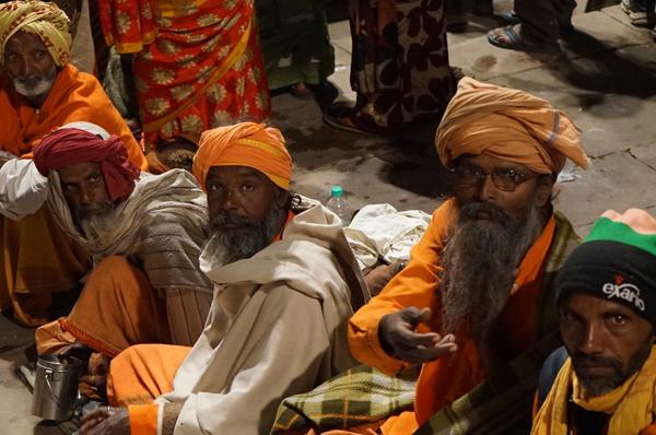 Varanasi: uma experiência de vida e morte! (VÍDEO)