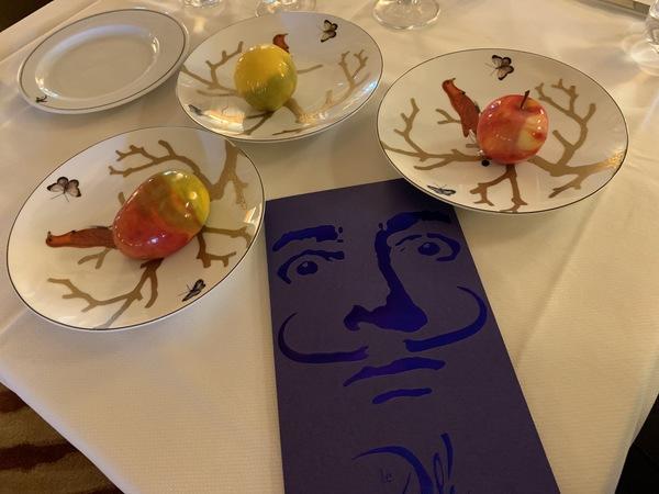 Restaurantes Le Meurice Alain Ducasse e Le Dalí reabrem em Paris