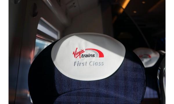 Já viajou de trem pelo interior da Inglaterra? VÍDEO