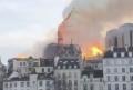 Catedral de Notre Dame, em Paris, arde em chamas